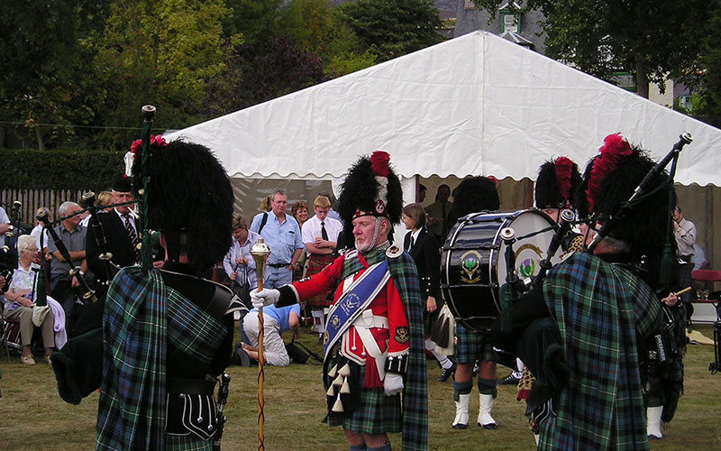 Bremar-Pipe-Band-Leader